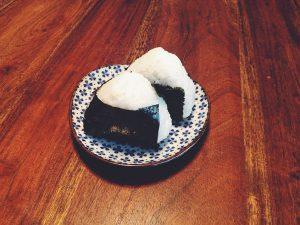 Onigiri-Japanische-Hausmannskost-Rezepte-Uchi-Gohan